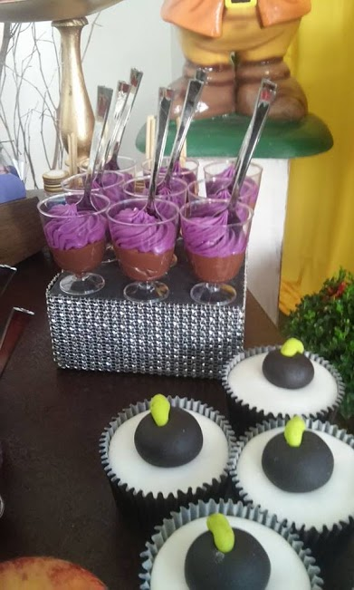 Snow White and Wicked Queen Party - Birthday Party Ideas ...