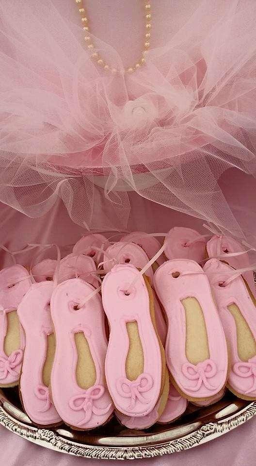 Ballerinas And Bows Birthday Party Birthday Party Ideas