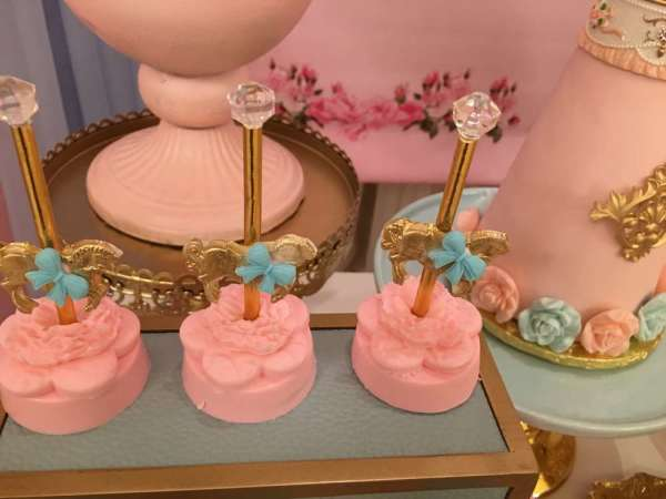 Charming-Carousel-Birthday-Party-Sweets