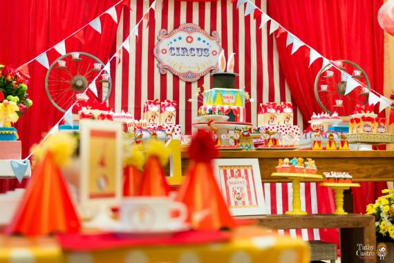 classic-red-white-circus-themed-birthday-party-ideas-for-boys-girls-close