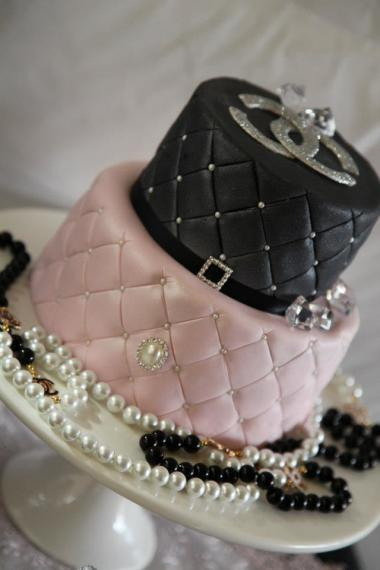 coco-chanel-inspired-birthday-party-cake