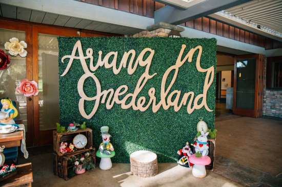 ariana-in-alice-in-wonderland-first-birthday-party backdrop