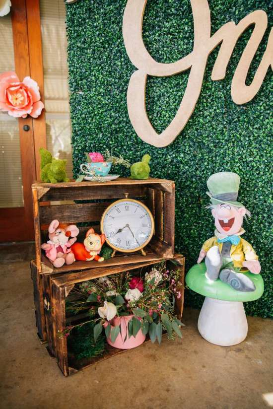 ariana-in-alice-in-wonderland-first-birthday-party props and background