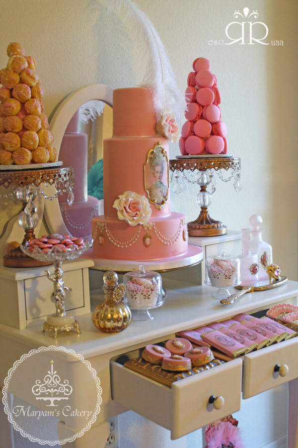 Marie-Antoinette-Vintage-Birthday-Party-Buffet
